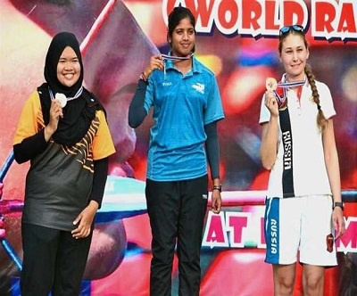 Muskan kirar wins the gold by beating Malaysia's Zakaria Nadhirah with a total of 139 points