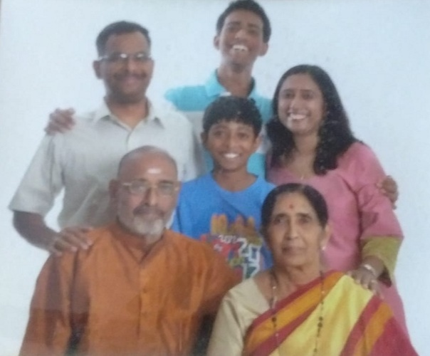 Poovamma and Vaidyanathan with their Daughter and Grandchildren
