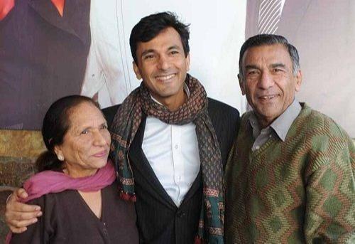 Vikas Khanna Family