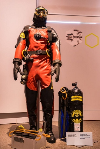 Cold water diving equipment used by Canadian Museum of Nature's marine biologist, Kathy Conlan