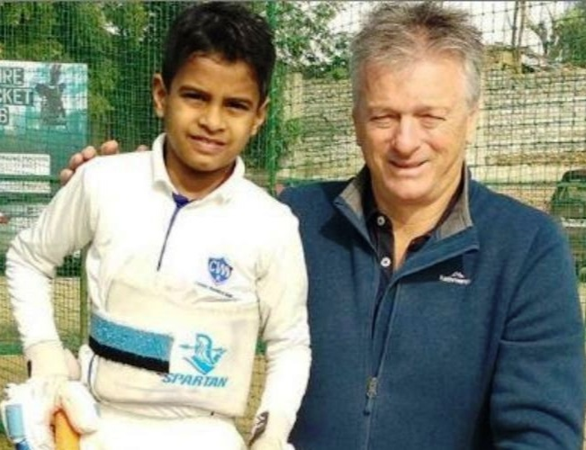 Small star meeting the Big Starsteve waugh