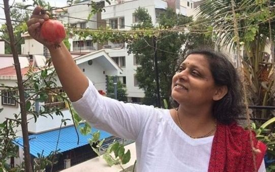Sujata Naphade, a 45-year-old Pune woman is showing the world that with little efforts, natural and organic food can be grown