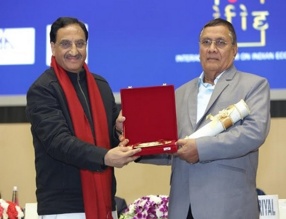 Indraman Singh Awarded with Indian Achievers Awards 2020 by Dr Ramesh Pokhriyal