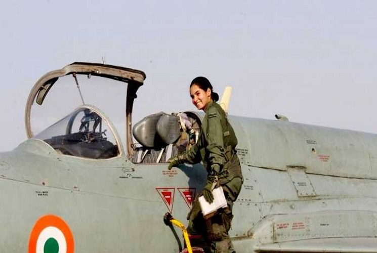 Avani chaturvedi was appointed as the First Woman Fighter Pilot