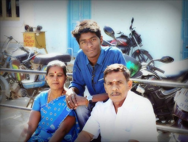 Aditya Paladi with His Father Paladi Srinivasulu and Mother Paladi Rathnamma