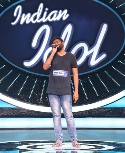 Yuvraj Medhe From Sweeper To A Singer