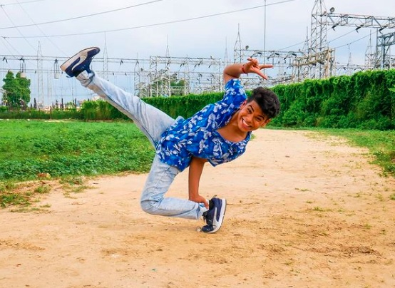 Ritik received formal training at the dance academy in both hip-hop and break-dance