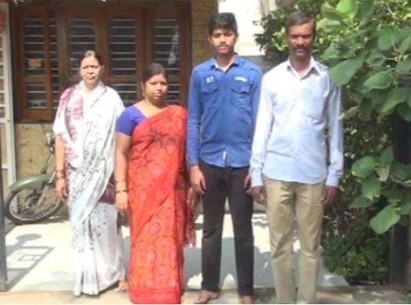 Prathamesha Sutara family gave their complete support to the boy. His father, Prakash Sutara who was an electrician by profession, gave possible inputs to his boy