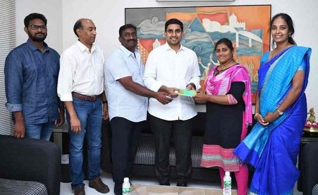 She extends her heartfelt thanks to Mr Nara Lokesh and Mr Krishnayya, Chairman, KIMS Hospital for having supported her financially
