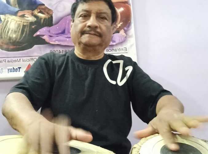 He went on to pursue advanced lessons in Tabla under the prominent figure Mr. Paban Bordoloi