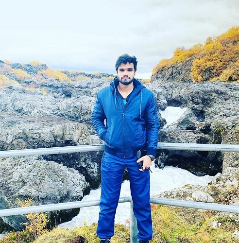 Follow him on his Instagram handle to know how to travel on a minimal budget
