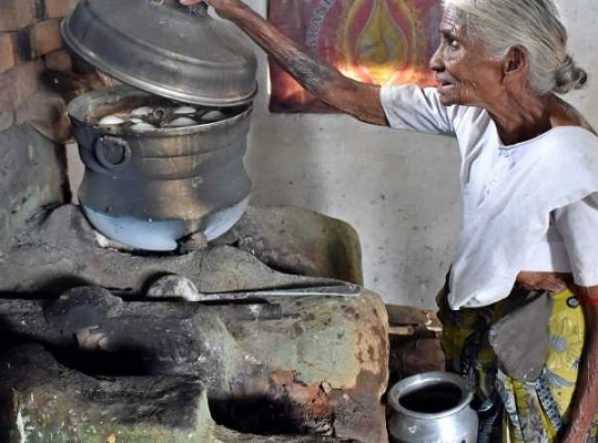 Here, idlis are priced to feed daily wagers so they can afford to eat while saving money for their families