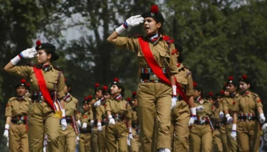 Hina had joined the male cadet wing of the NCC and has also earned an A certificate when she was in grade 10