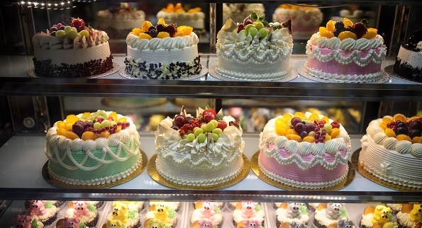 He partnered with hisPradip Dass who is a well-qualified and experienced accountant and ventured into making egg-free cakes