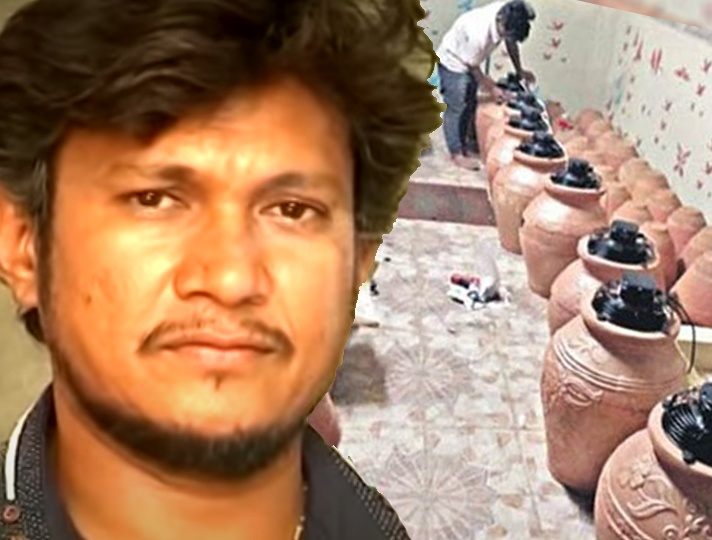 Man from Nizamabad makes coolers with earthen pots. Attracts buyers from different states