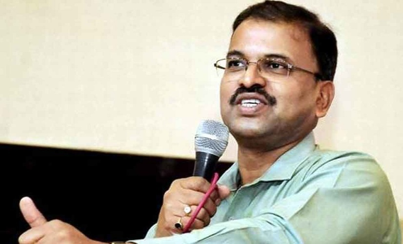 he happened to hear about JD Lakshminarayana who was visiting farms and interacting with farmers