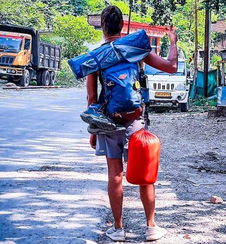 Yati Gaur says that travelling can be done in any way but he prefers to walk without choosing any other mode of transport