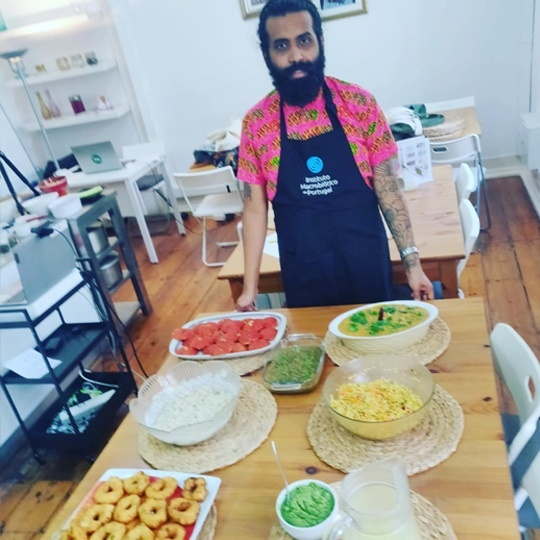 Portuguese love this Vegan Restaurant owned by a Indian chef Crazy list of varieties like Panipuri