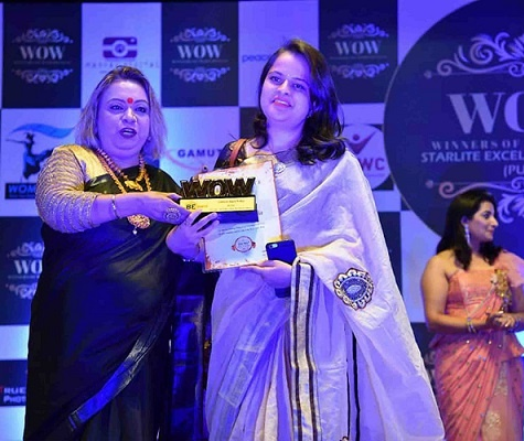 DreamHunt India also received the - Best Training Institute award from WOW publications