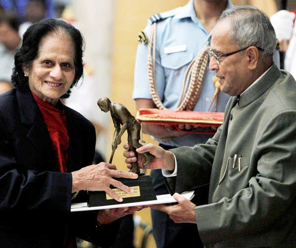 The President, Shri Pranab Mukherjee presenting the Dhyan Chand Award to Ms. Mary D'souza Sequeira for Athletics