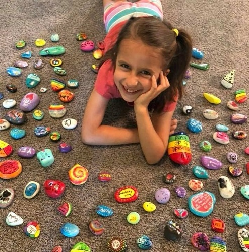 Non-verbal Ways To Spread Happiness Meet Nika Hirsch who is a 10-year-old girl from the United States