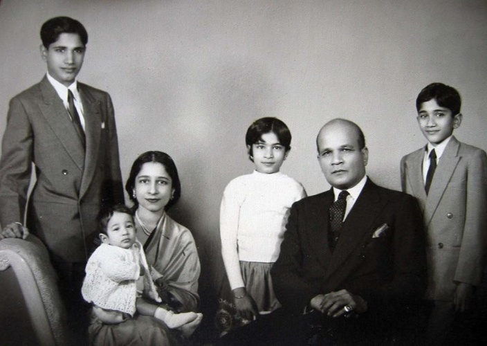 Designer of the Indian Flag never got credit for it Surayya Tyabji with family