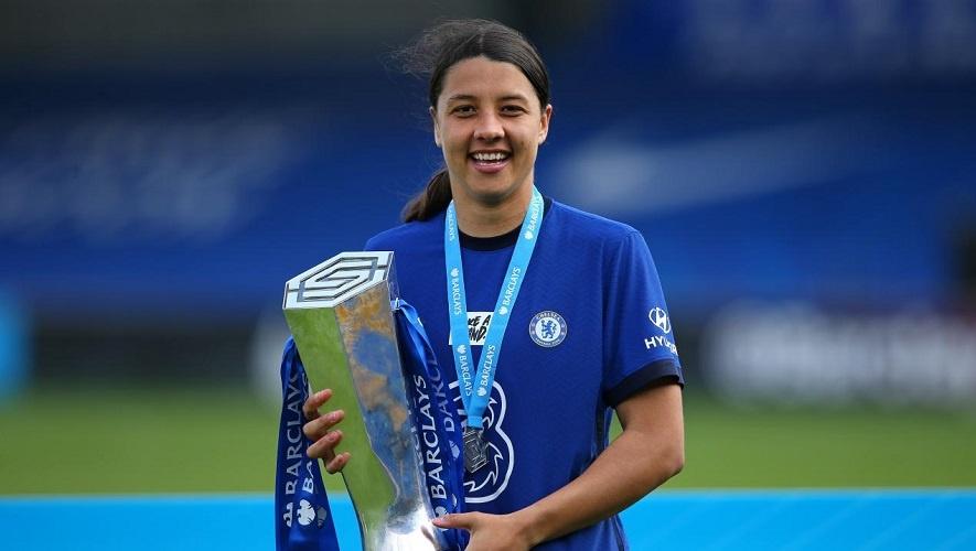 Samantha scored 21 goals in 22 games winning theGolden Boot in 2020–21 FA WSLseason