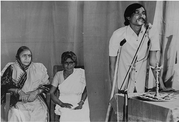 Parbati Giri travelled extensively and organized meetings, gave training in weaving and thread making in villages like Samlaipadar, Barpali, Panimora of Sambalpur town