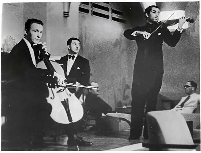 It was during this association with AIR that Walter Kaufmann composed the signature tune along with Mehli Mehta and Edigio Verga