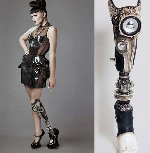 Sophie made a few masterpieces, among which Viktoria Modesta wore to the London 2012 Paralympic closing ceremony